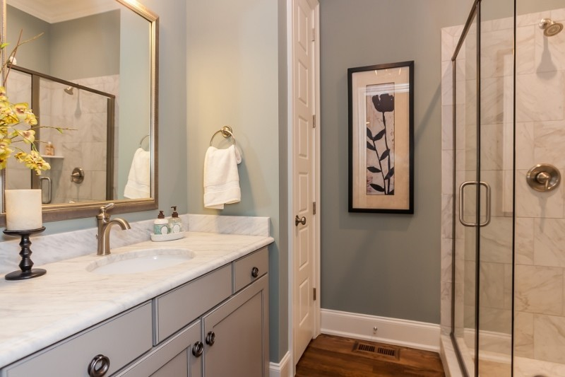 Lot117HMPRiverwalkguestbathroom800x53320170824105501