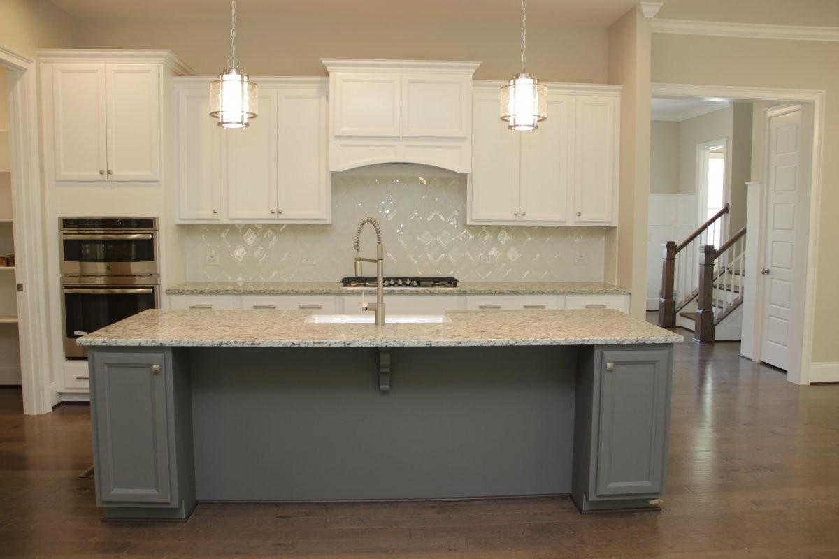 ashton kitchen.JPG