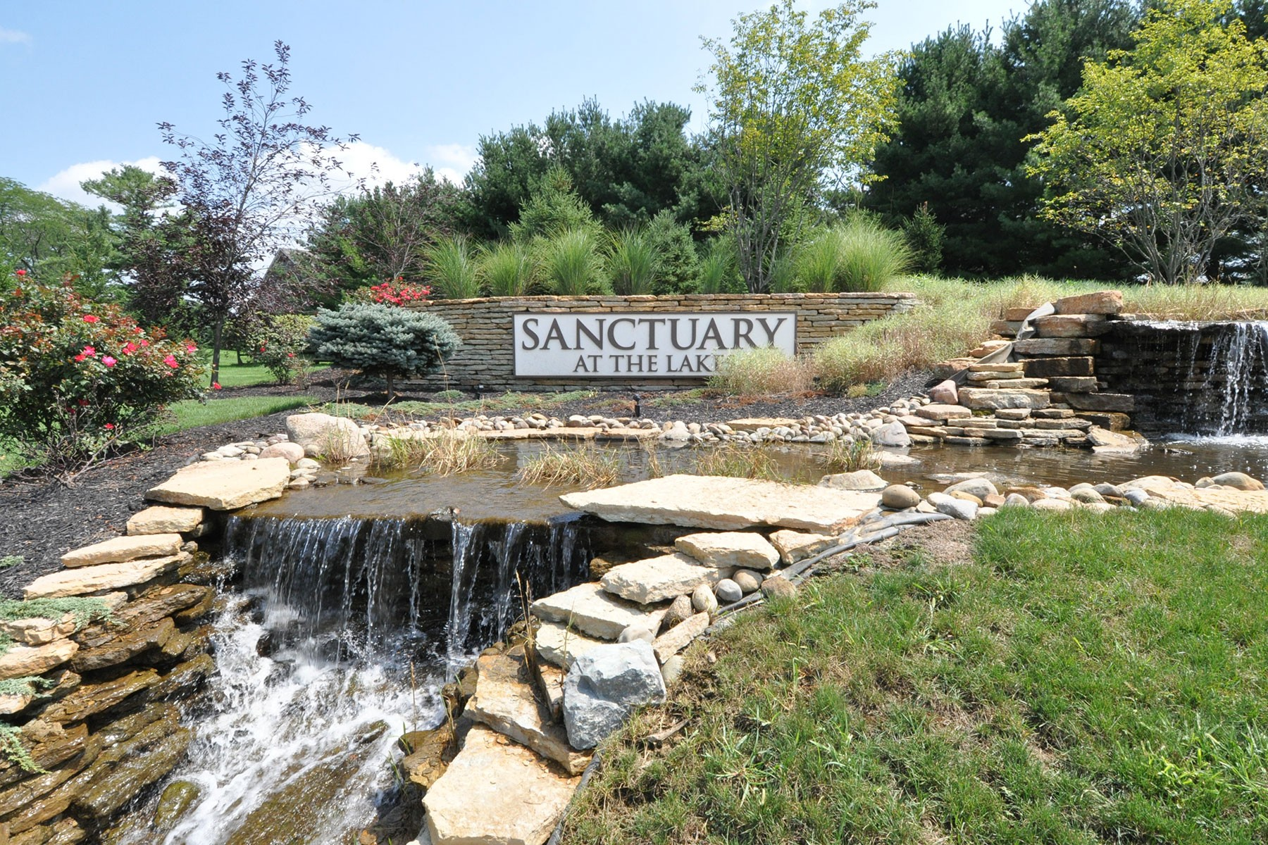 Sanctuary at the Lakes Regency Community Entrance