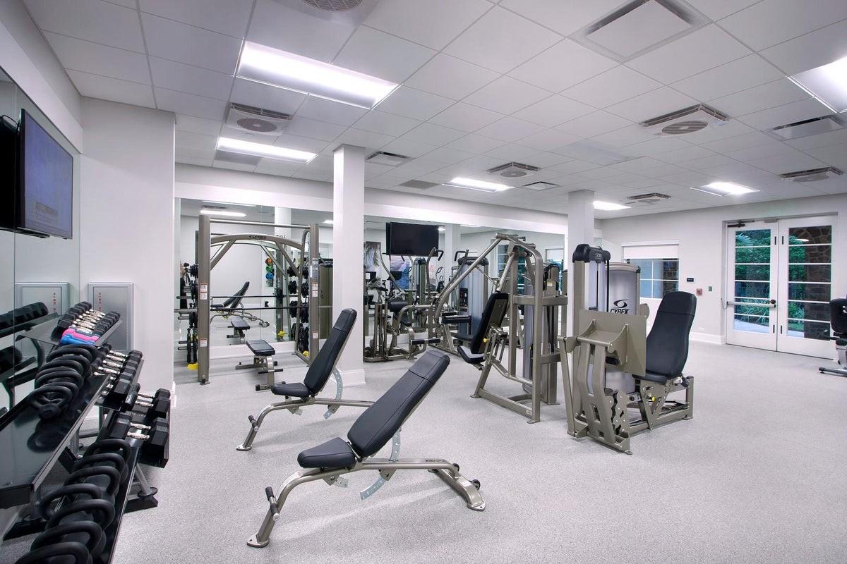 The Lake Club House Gym 1.jpeg