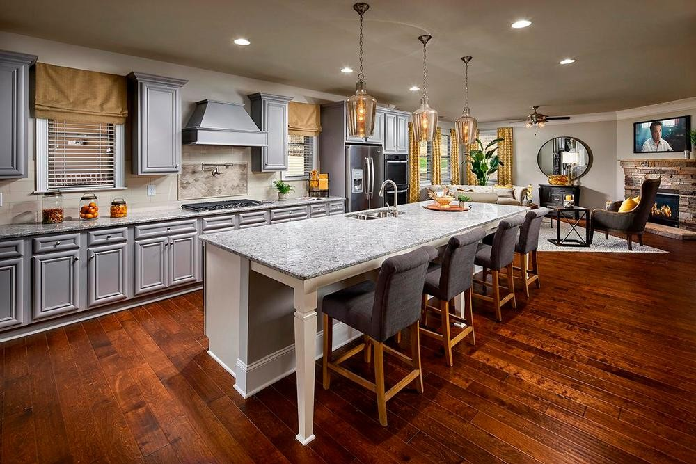 BedfordEstates_Reynolds_KitchenFamily_1000.jpg