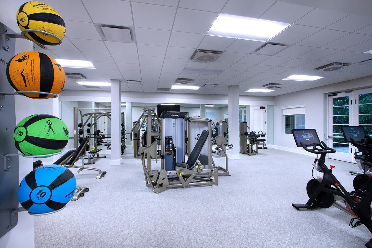 The Lake Club House Gym 2.jpeg