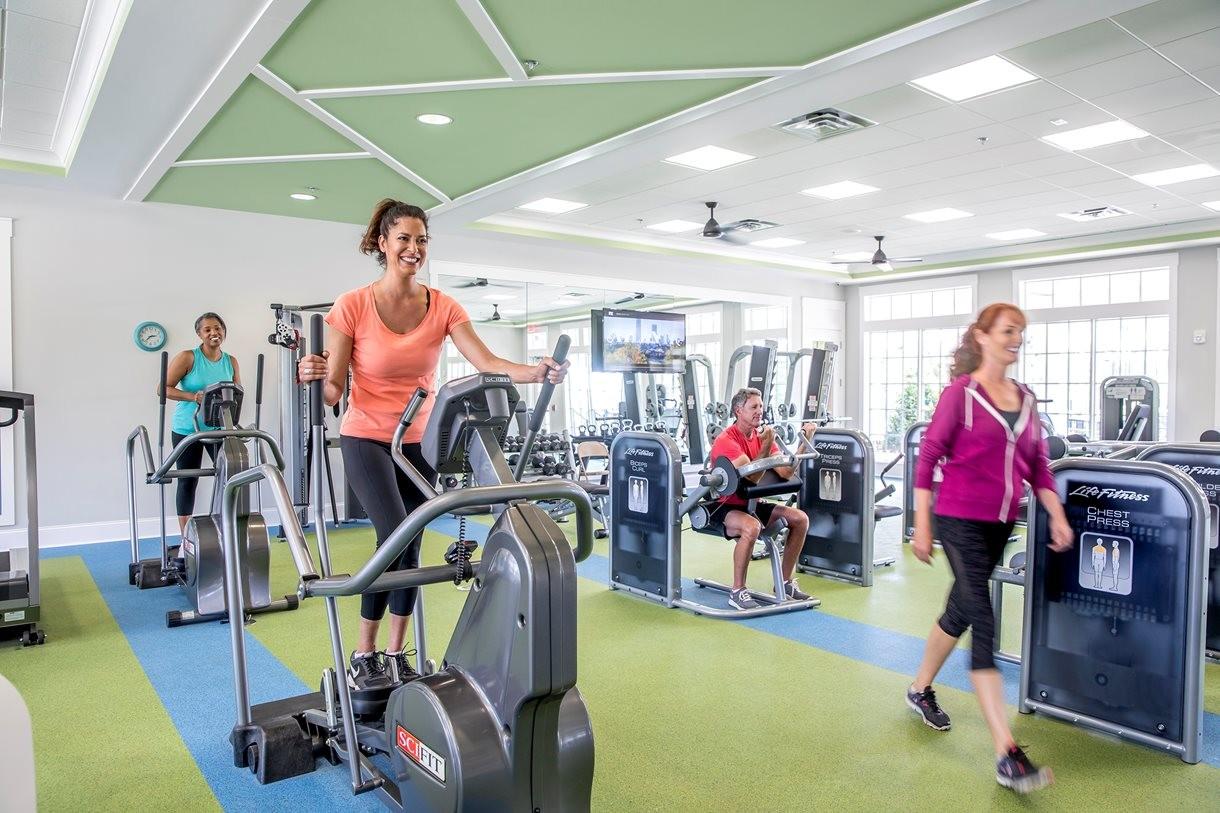 lrg_ptc_club_fitnesscenter1.jpg