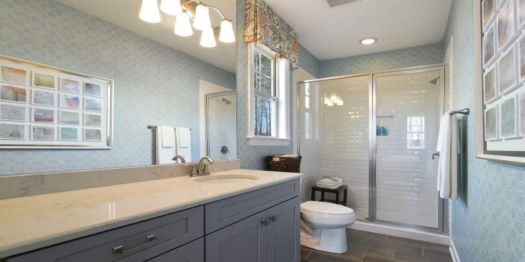 clt_lake_crest_kendrick_model_guest_bath_1024x512.jpg