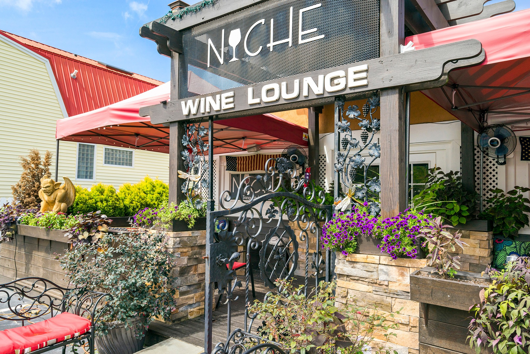 Royal Oaks Homes, Ballentine Place, Holly Springs, Niche Wine Lounge