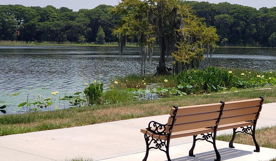 SeasonsAtHillside-ORL-VenetianGardens Park Bench