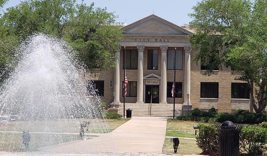 SeasonsAtHillside-ORL-Main Street City Hall