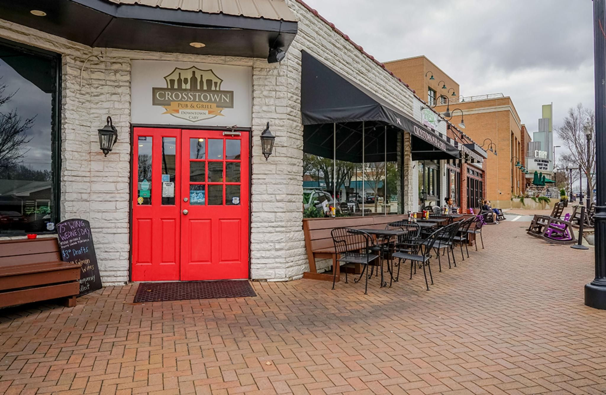Downtown Cary, NC Pubs and Restaurants