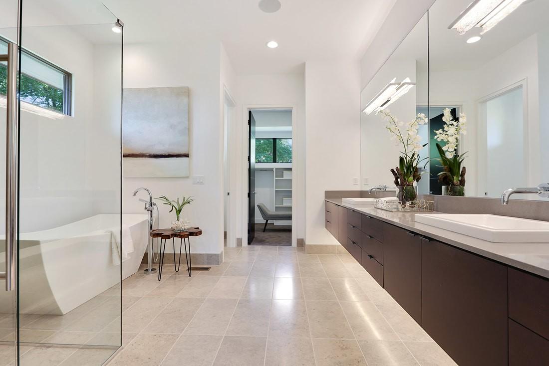 9645-manor-rd-master-bath_1_orig.jpg