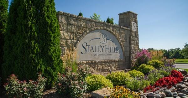 staley_monument2-600x313.jpg