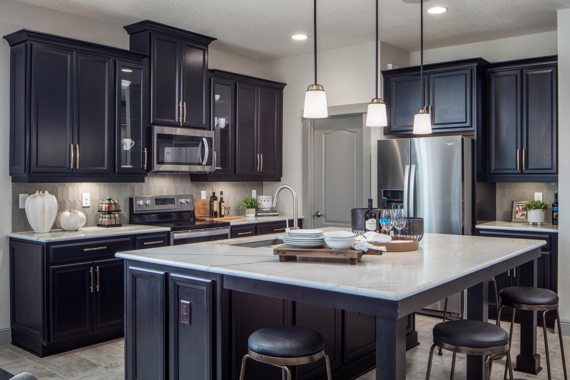 651676310226321_eola-kitchen.jpg