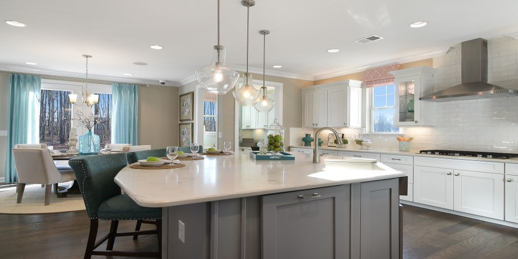 clt_lake_crest_kendrick_model_kitchen_side_1024x512.jpg