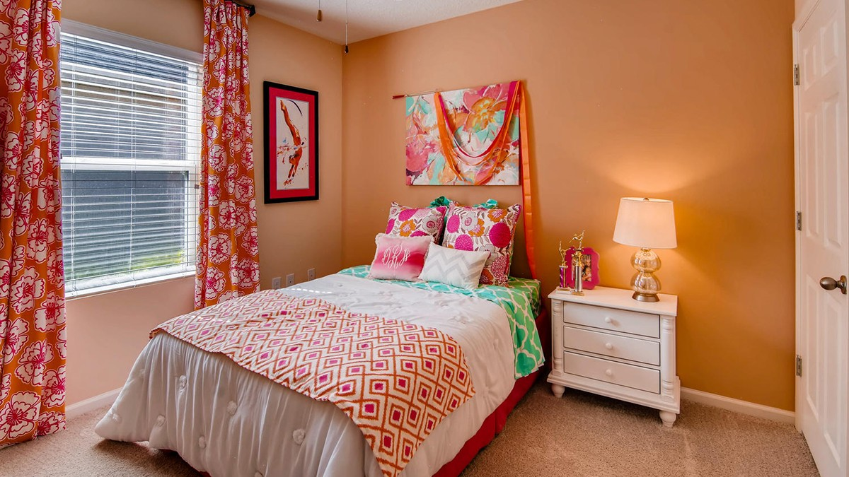 100 Wishing Well Circle SW-large-008-11-Bedroom-1499x1000-72dpi.jpg