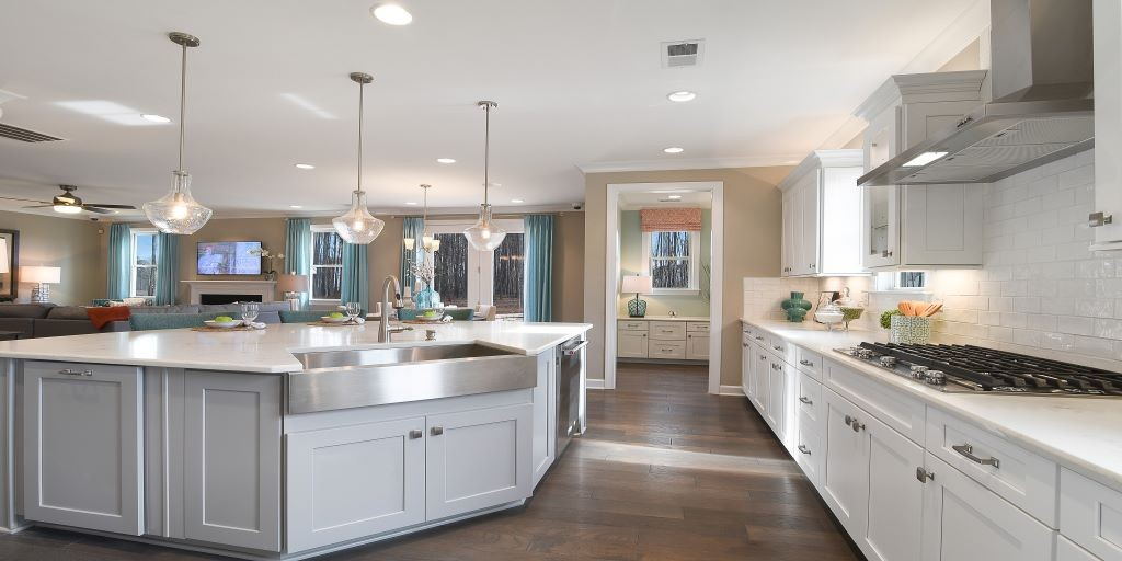 clt_lake_crest_kendrick_model_kitchen_out_1024x512.jpg