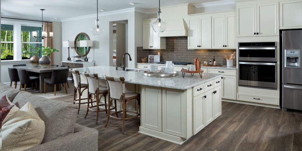 cmh_armstrong_model_kitchen_RHP_1024x512.jpg