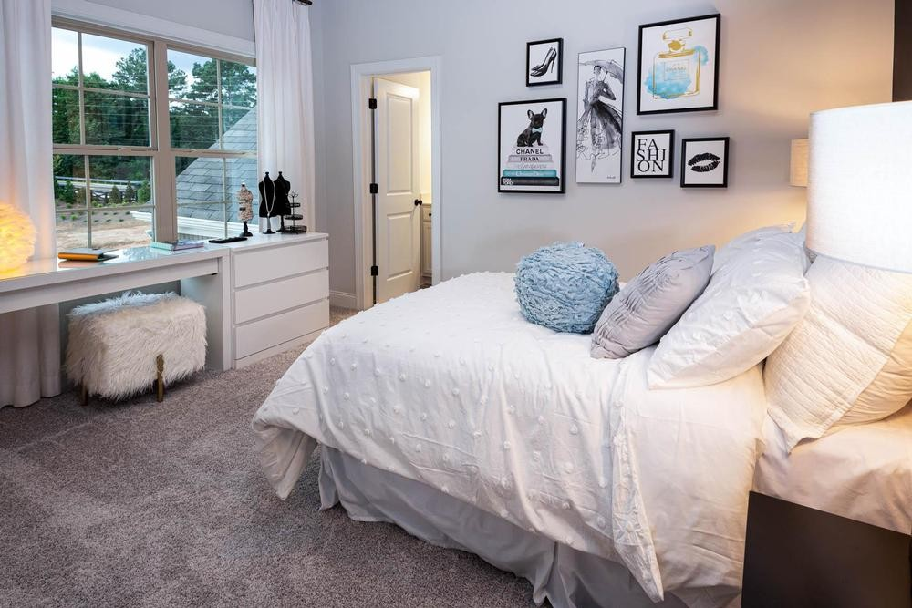 Bedroom1_1000.jpg