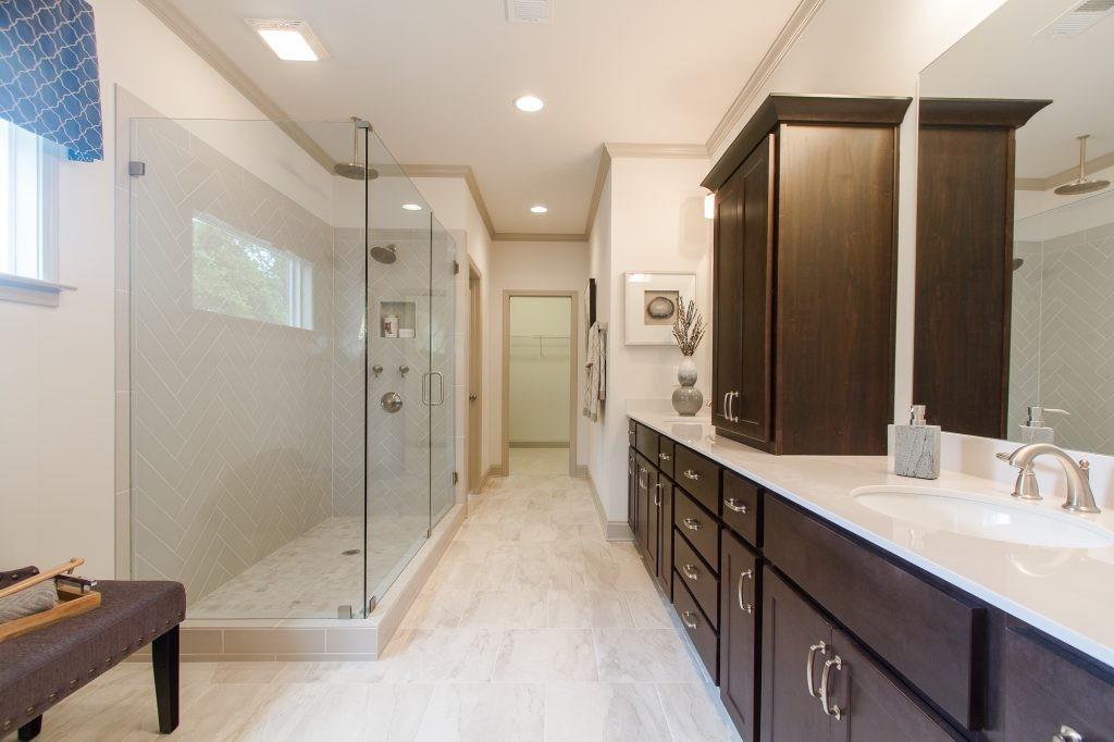 Somerdale-burke-owners-bath-frameless-spa-shower-1024x682.jpg
