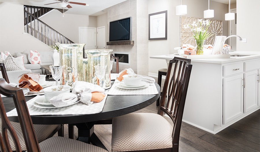 Coral-DEN-Kitchen/dining 2 (Seasons at Traditions)