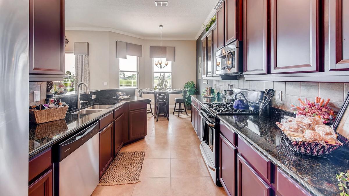Charleston-large-006-9-Kitchen-1499x1000-72dpi.jpeg