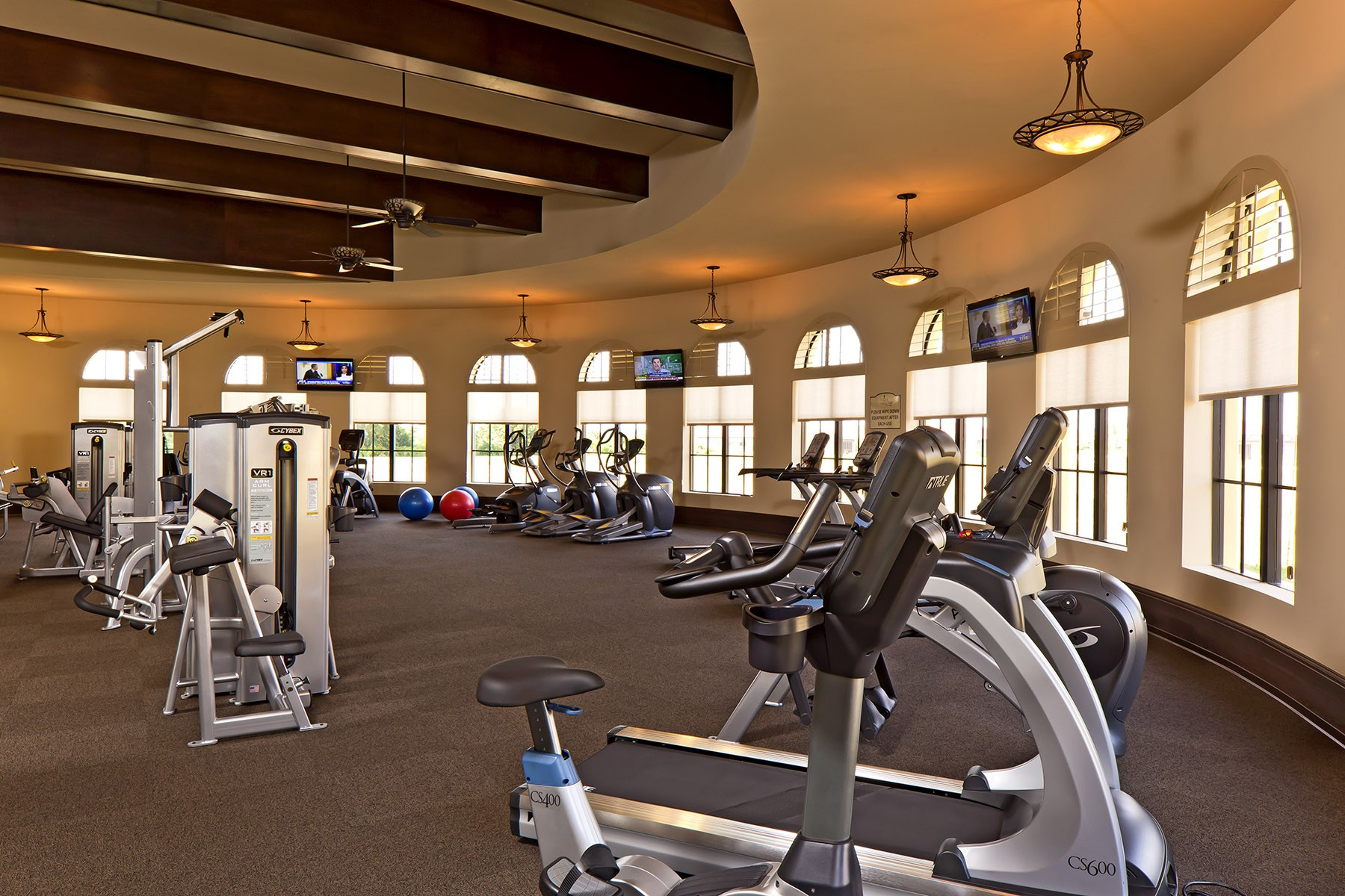 Gran Paradiso Fitness Center Overlooking Pool