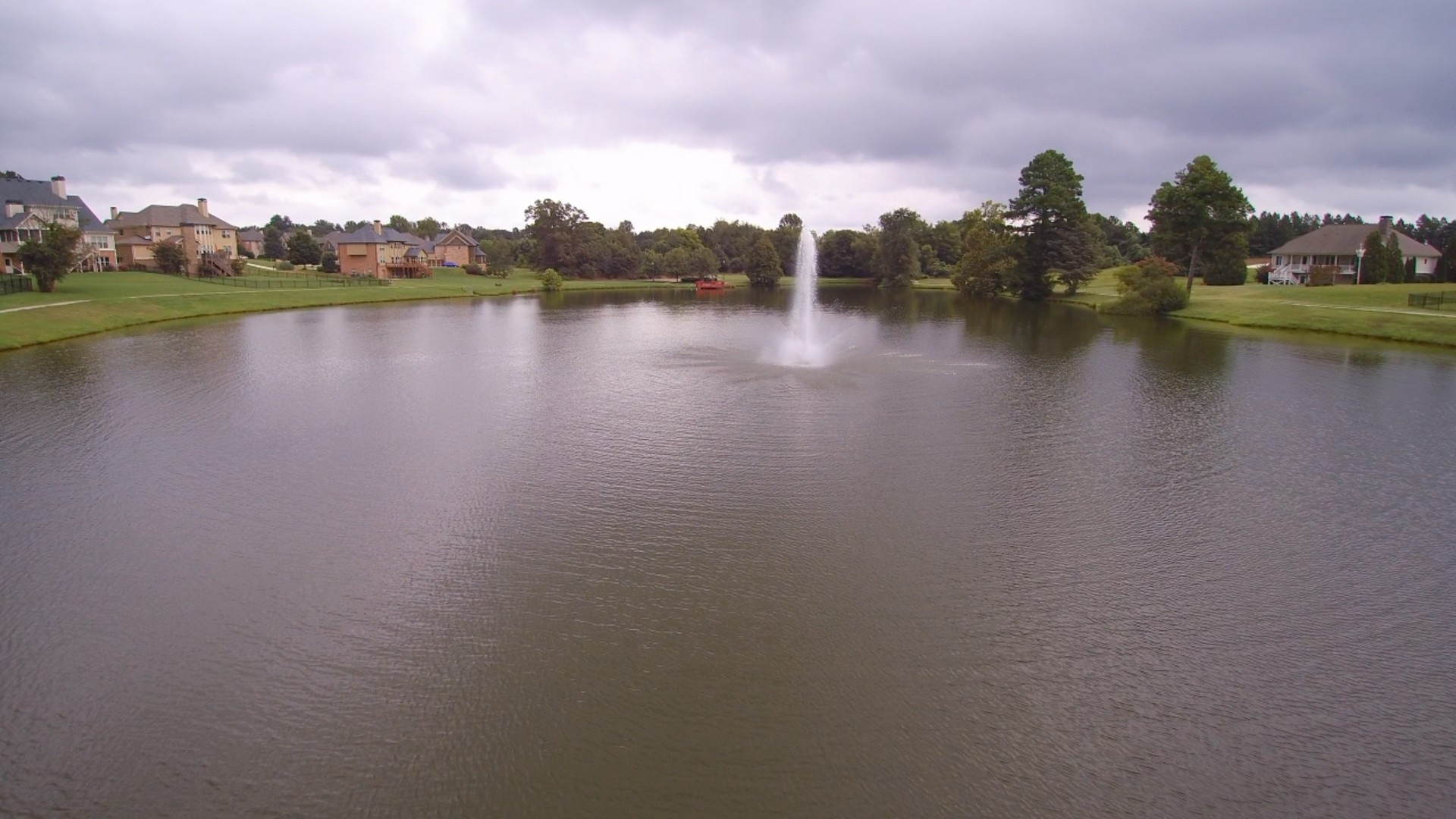 Drone_Lake_TraditionsOfB00120171106081540
