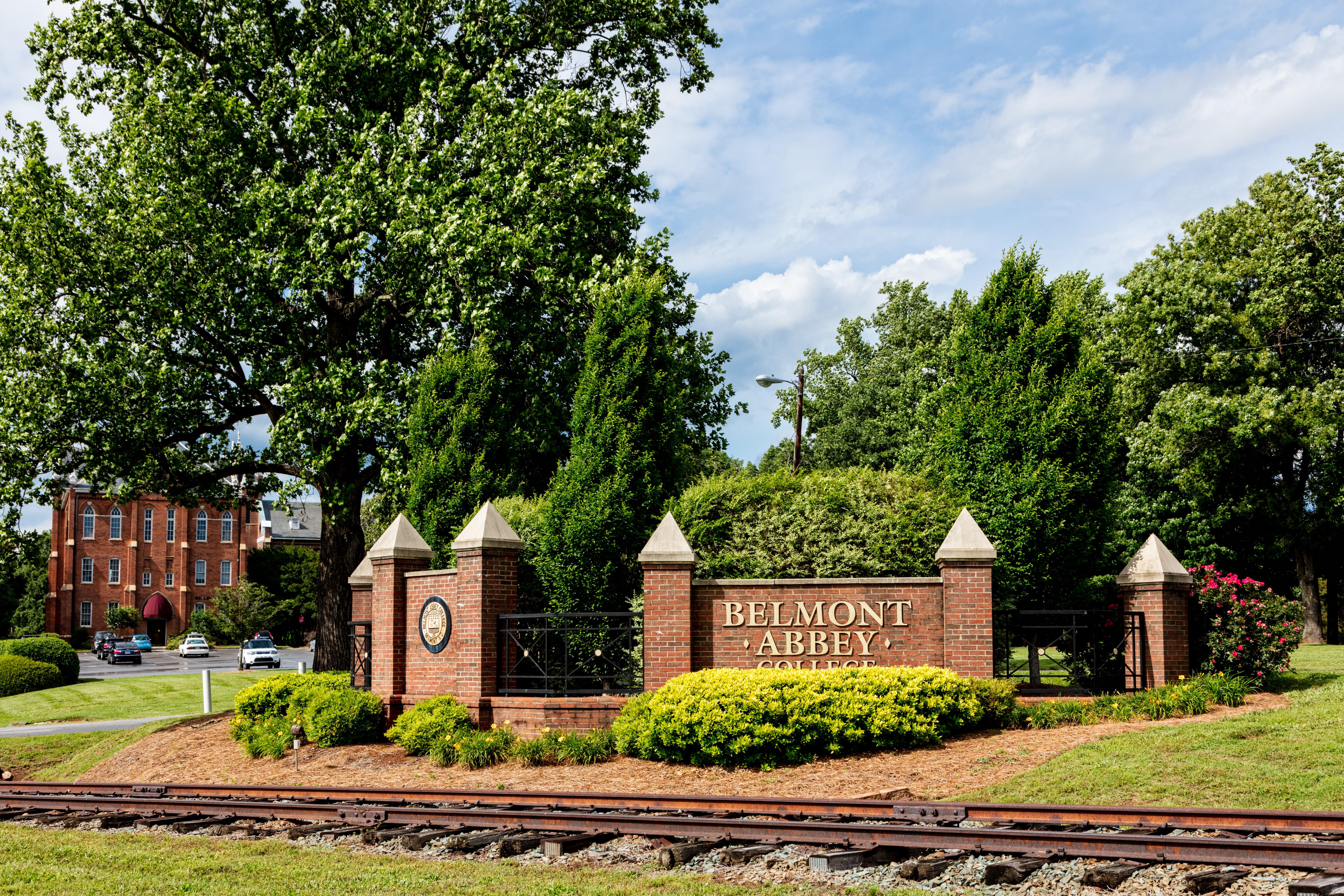 Belmont Abbey College Sign.jpg