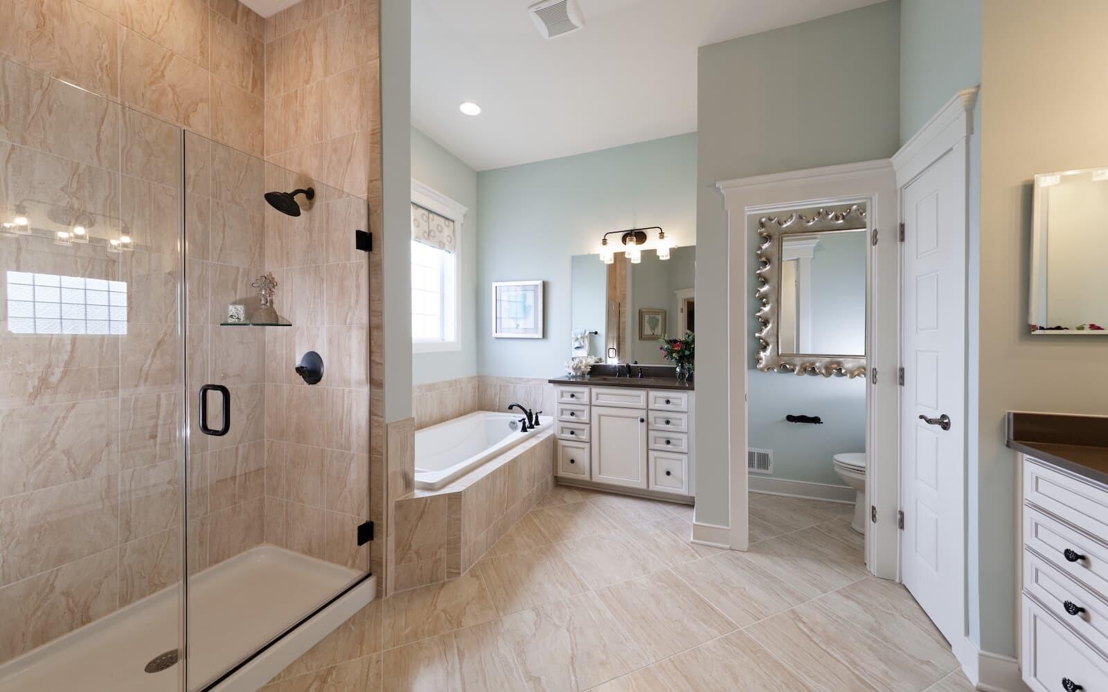 Pearson-owners-bathroom-single-family-homes-easton-md-easton-village-brookfield-residential.jpg