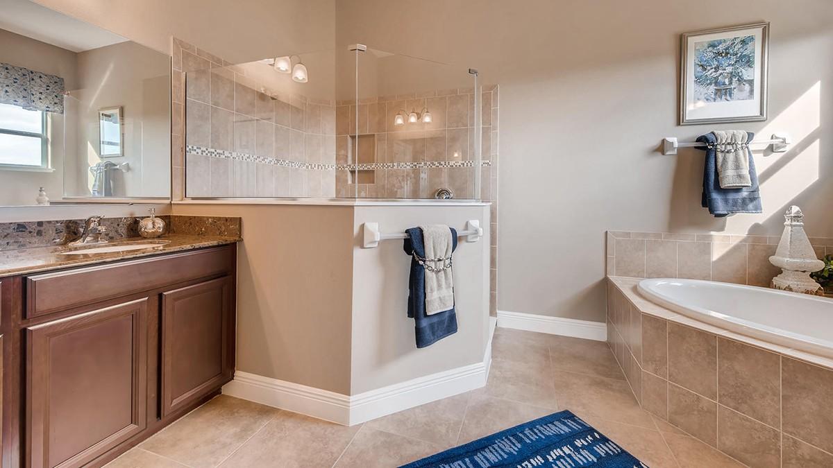 Charleston-large-008-4-Master Bathroom-1499x1000-72dpi.jpeg