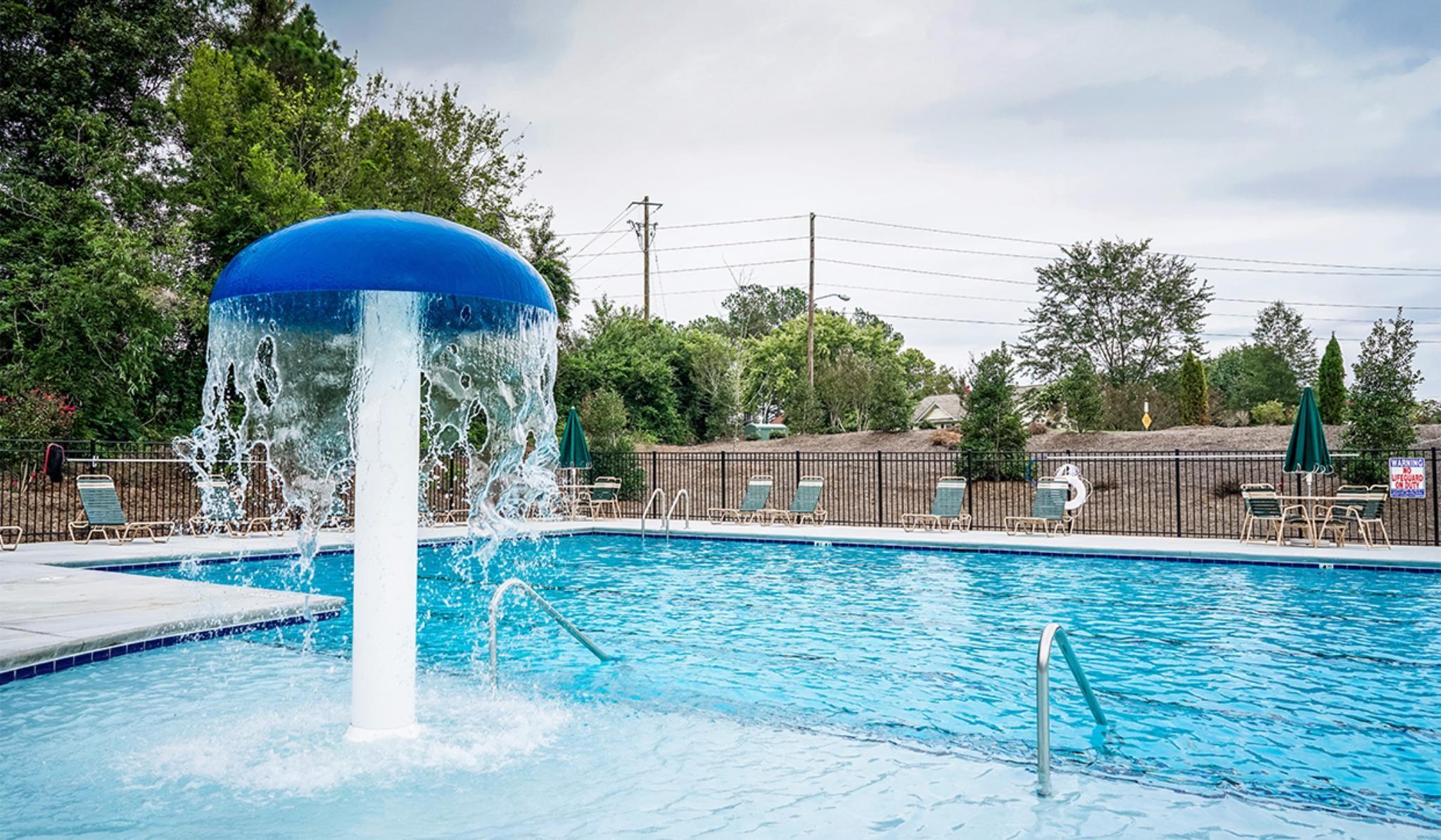 Bristol Community Pool with Kids Fountain, Sun pat