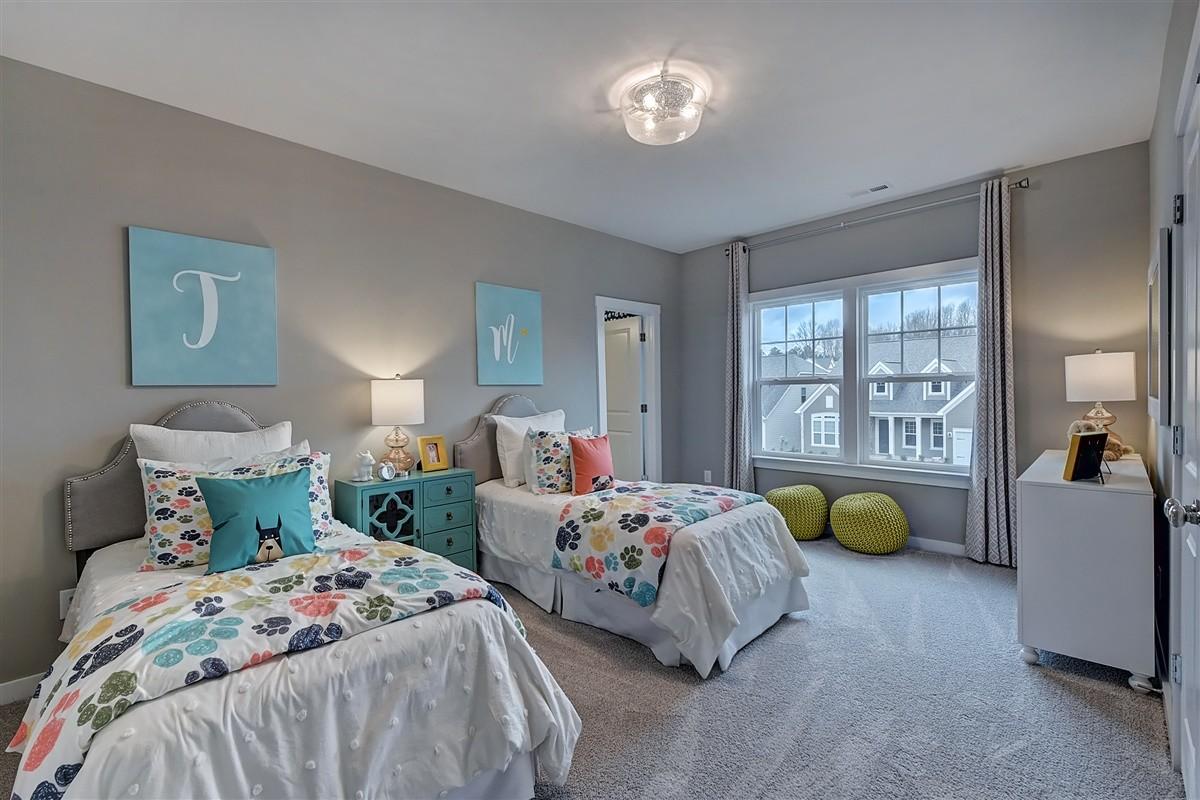 64-Bedroom
